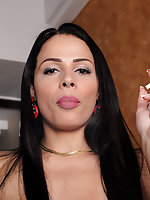 Bruna Castro smoking