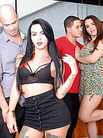 Tranny babes Melyna Merli and Nicolly Pantoja enjoy foursome barabacking