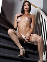 Jonelle is Super Horny in the Stairs, She Takes Off Her Clothes and Beat Her Meat