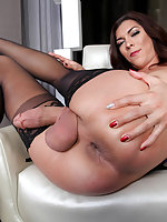 Ladies and gentlemen if there's one thing we can all agree on is that when there's a new Tgirl making her debut here at Trans500, it sure stirs up the dicks in the room. Gorgeous Kendra Sinclaire is here to show off her dick stroking ways. Just one look a