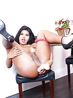 Dusky tgirl enjoys drilling her asshole with a fucking machine